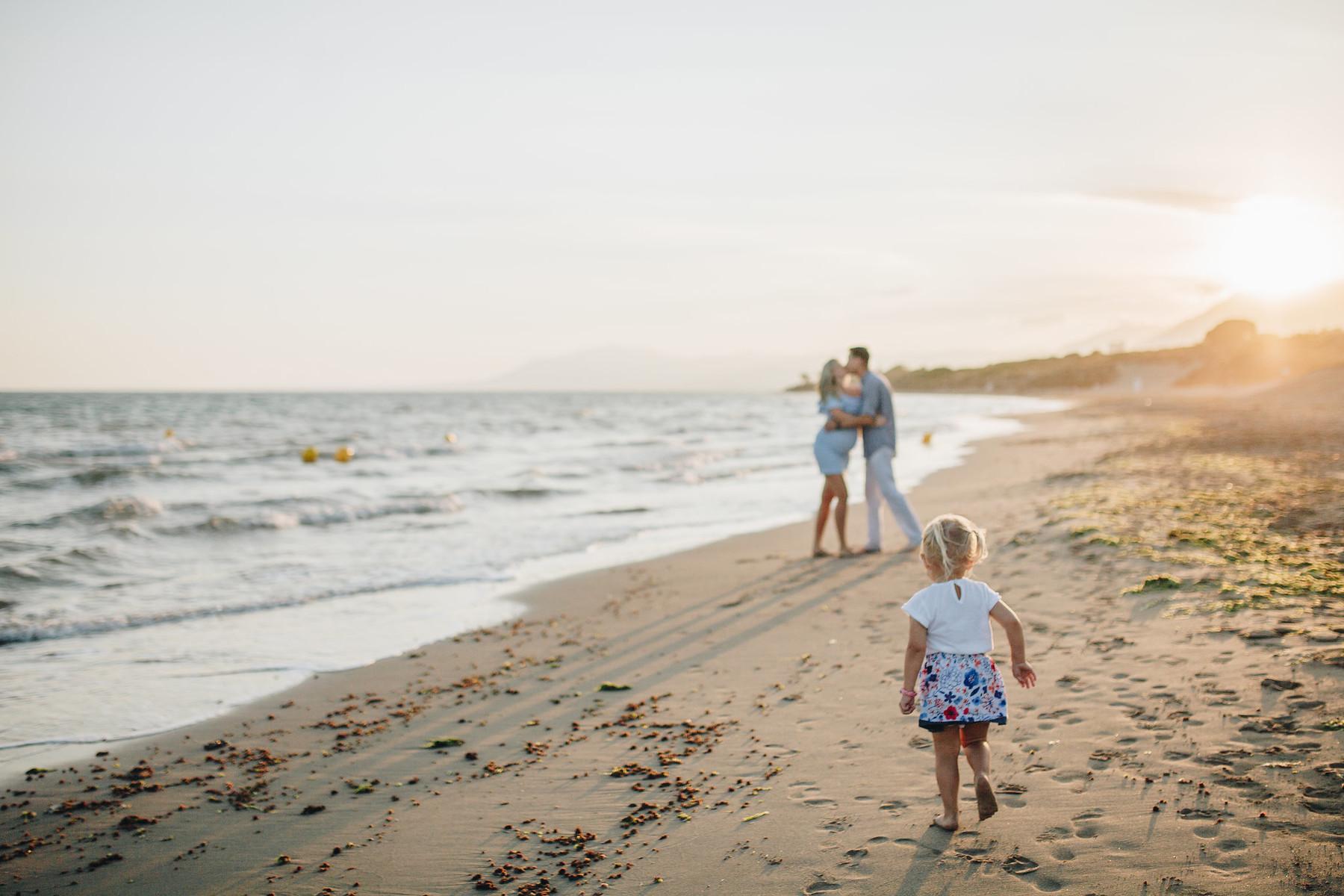 Family photo shoot in Cabopino, Marbella