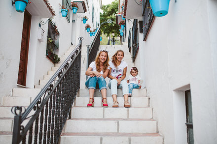 Family photo shoot in Mijas Pueblo