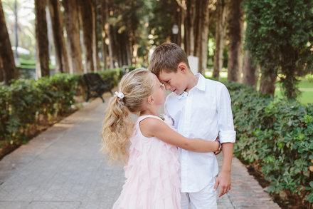 Sesión de fotos de familia en el Parque deución en Marbella