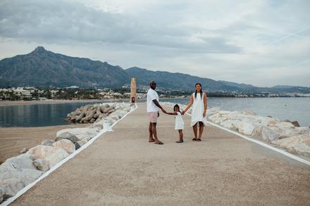 Sesión de fotos de familia en el Puerto Banús, Marbella